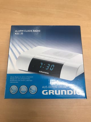 Despertador con radio Grundig