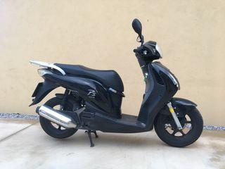 Moto Honda PES 125