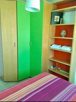 Dormitorio juvenil completo, lámpara y cortinas