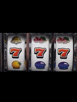 Tragaperras, máquina de juegos...
