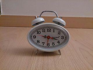 Reloj despertador Famapren.