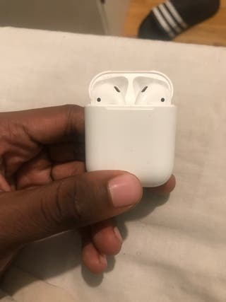 Apple AirPods 1st generation