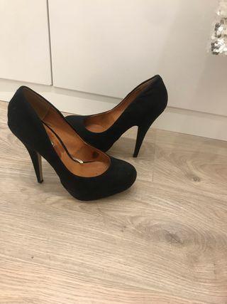 Zapatos de salón con plataforma y tacón alto