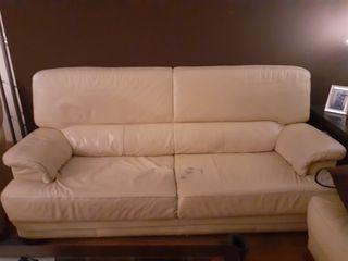Un sofá + dos sillones de piel
