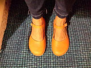 Sandalias NUEVAS color mandarina marca ART