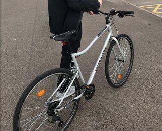 mens Riverside hybrid bike used twice