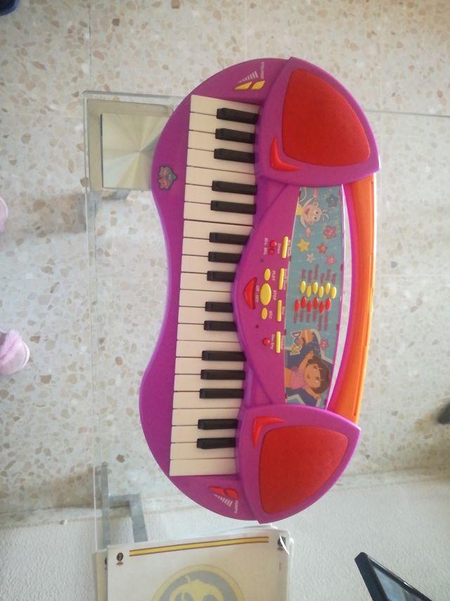 piano de Dora la exploradora