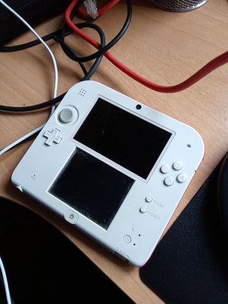 Nintendo 2DS (Roja y Blanca)