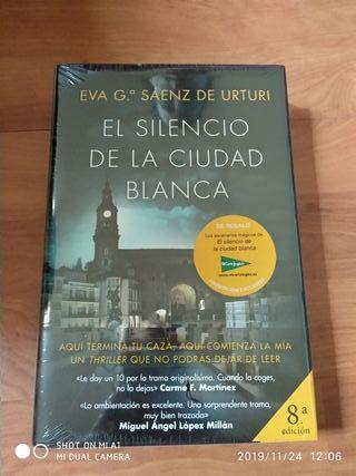 El silencio de la ciudad blanca. Ed. Planeta