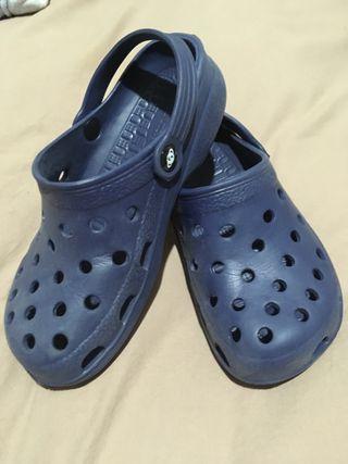 Crocs / zuecos 38