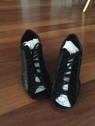 Zapatos de baile especiales. Talla 34-35