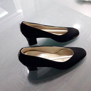 zapato tacón hecho en España