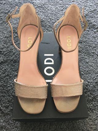 Zapatos mujer Nuevos. Lodi