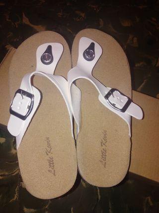 Sandalias Chica nueva