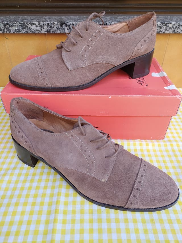 Zapatos serraje; Talla: 40