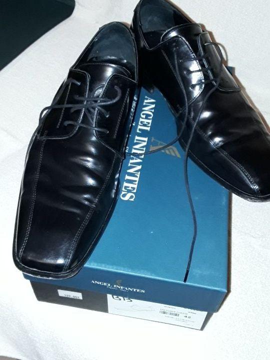zapatos de piel,negros, número 42