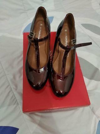 Zapato Charol número 36.