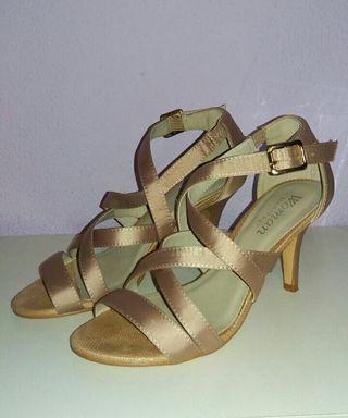 Sandalias de tacón beige T35