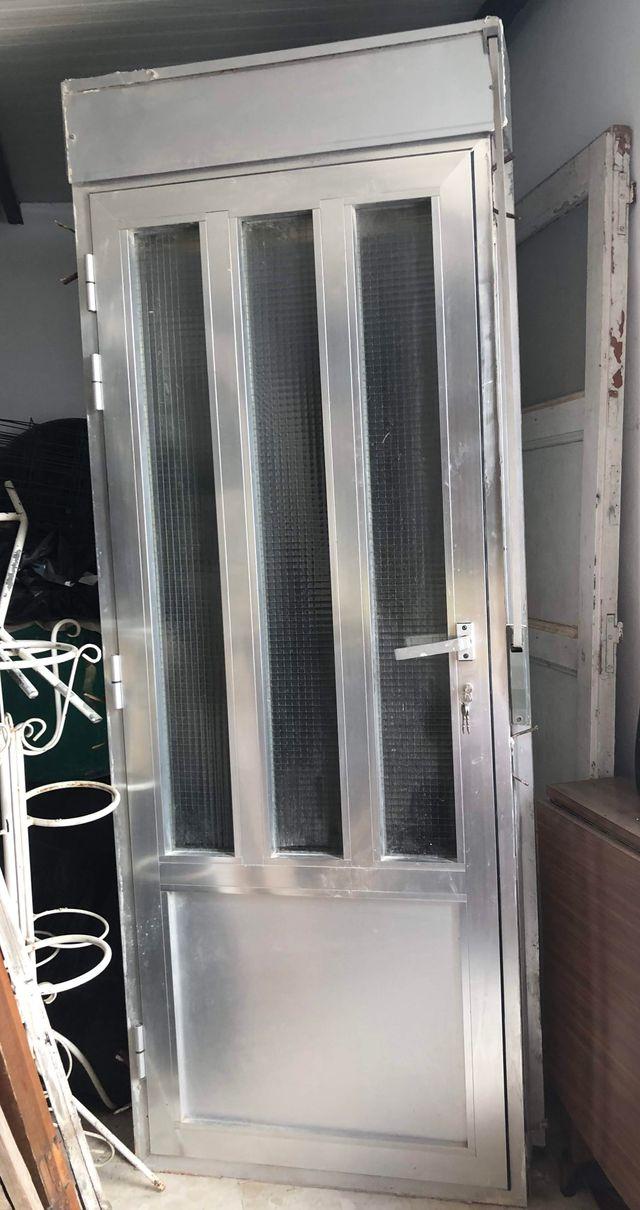 Puerta De Terraza De Aluminio Con Persiana De Segunda Mano