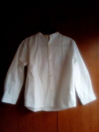 camisa Gocco, blanca, cuello Mao. talla 5-6