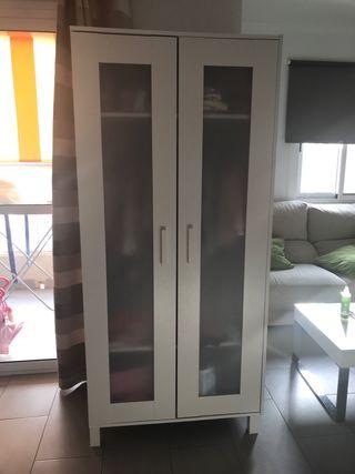 Muebles para chica que vive en la Noria .