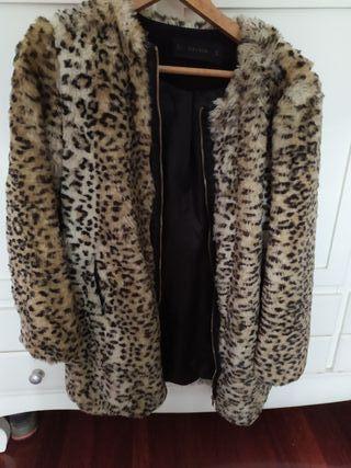 Abrigo leopardo con capucha animal print zara xs de segunda