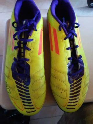 Botas de futbol Adidas F50.