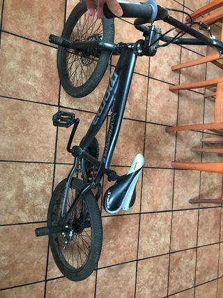 Bici BMX 360 grados.