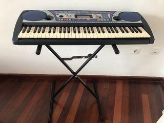 Teclado piano Yamaha en perfecto estado