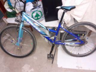 tres bicicletas para tres edades diferentes