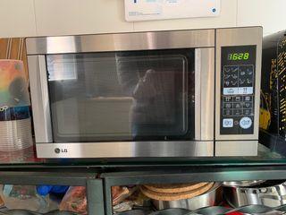 Horno Microondas LG MH5744JL Microwave