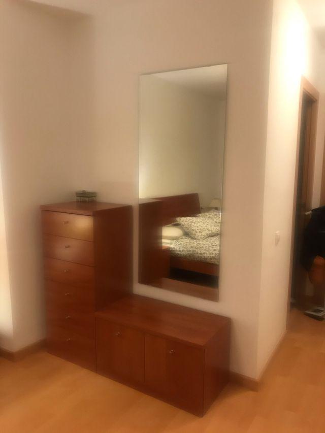 Dormitorio matrimonio color cerezo