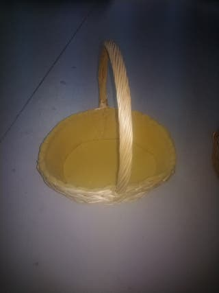 cesta mimbre con espuma