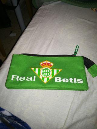 Estuche del Real Betis Balompie