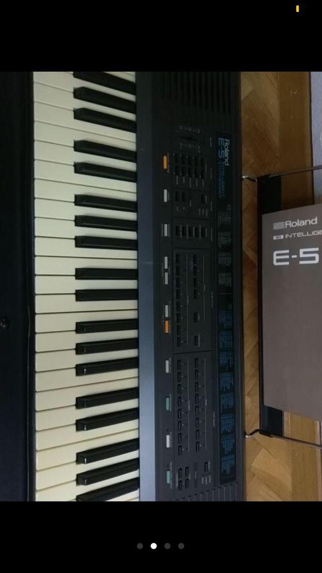 Teclado Sintetizador Roland E5