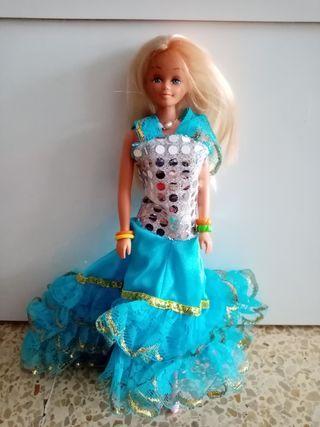Barbie Nancy de Famosa
