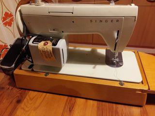 Máquina de coser eléctrica Singer NUEVA