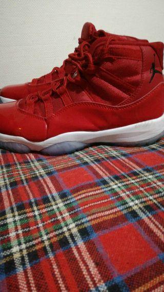 Jordan 11 retro red