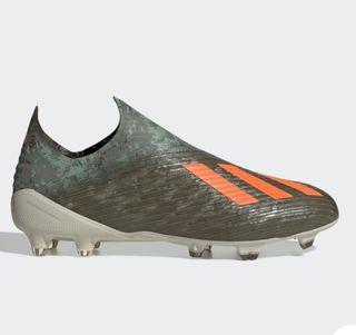 Botas de futbol gama alta adidas