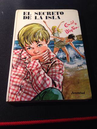 """Libro """"El secreto de la isla"""""""