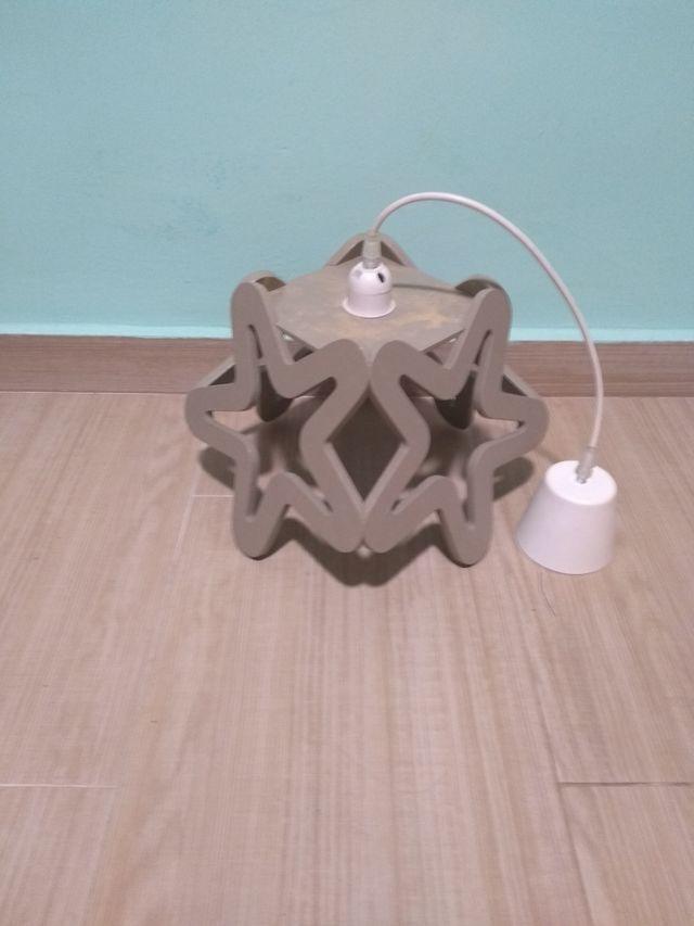 Lámpara de diseño para dormitorio de Nino.