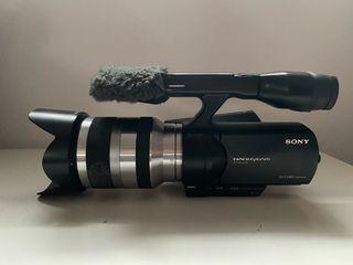 Sony NEX VG20 + Sony 18-200