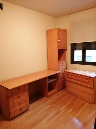 Habitación juvenil de madera maciza