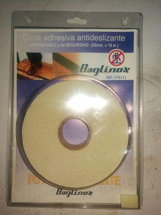 Cinta adhesiva antideslizante y fotoluminiscente
