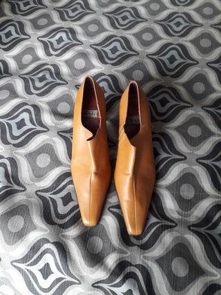 zapato de piel talla 39 sin estrenar