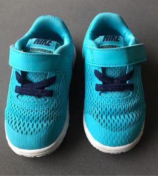 Zapatos bebé niño número 22 NIKE