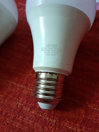 2 bombillas de led bajo consumo