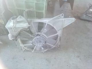 piezas. de Toyota Yaris, año 2000, faros , radiado