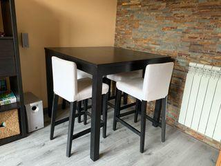 Mesa alta comedor, 4 sillas tapizadas y 4 plegable