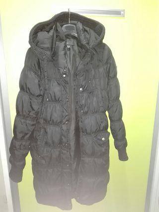 abrigo largo de plumas Mango talla L . perfecto